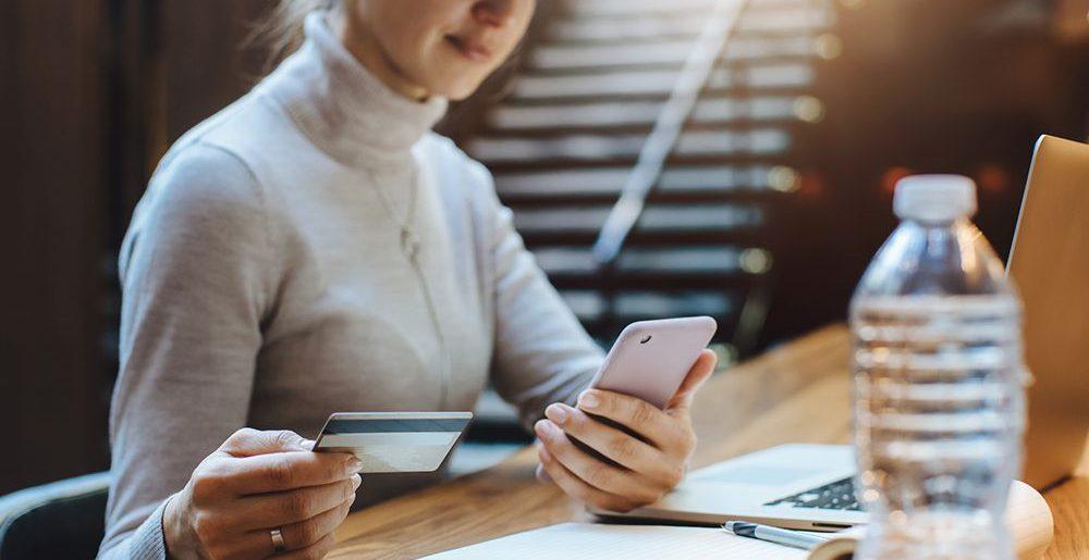 Quais fatores pesam na confiança do consumidor em compras online?