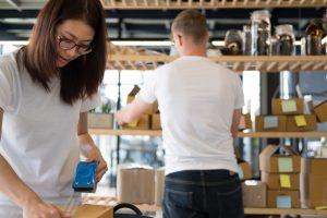 Gestão de estoque: há diferenças entre lojas físicas e virtuais?