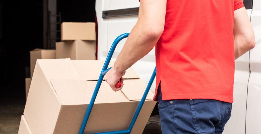 Correios ou transportadora para o e-commerce: o que é melhor?