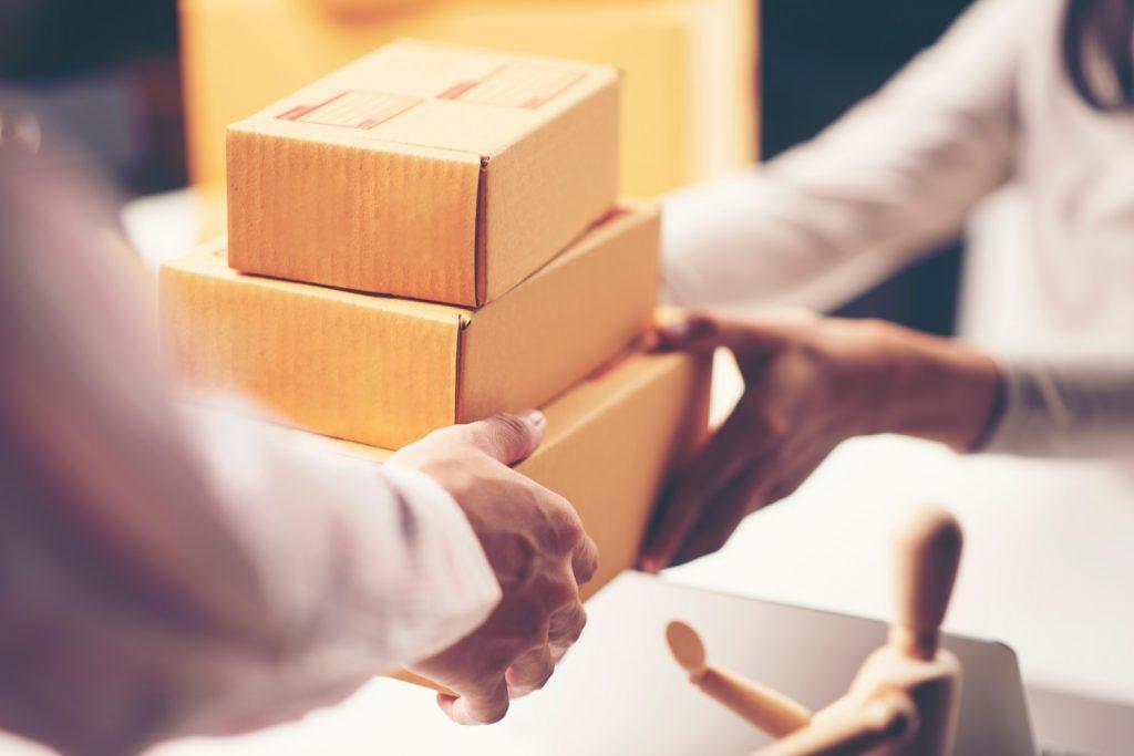 como-gerenciar-entrega-de-mercadoria-no-marketplace-climba-commerce